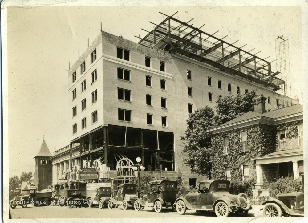 'Hotel Morgan during construction. Dr. D.H. Courtney's residence (currently Warner Theatre site).'