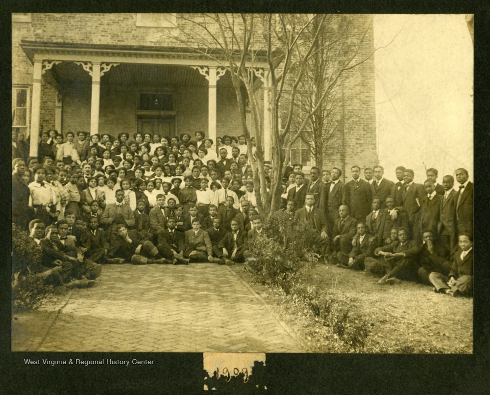 Group shot of Storer College class if 1909 in front of a building