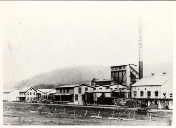 Deer Creek Extract Plant, looking N.E. towards plant across C&O; W.E. Blackhurst Collection.