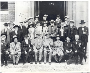Group portrait of surviving members of the Confederate 'Immortal 600' during a reunion at Richmond, Virginia, in 1915.  The Immortal 600 were forty-two days under fire on Morris Island, South Carolina; sixty-five days on rotten corn meal, cats, and pickle rations at Hilton Head and Fort Pulaski; eighteen days on the prison ship, Crescent.
