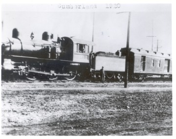 Engine No. 10 with crew in Cumberland, 1920.