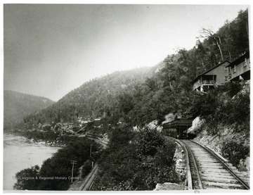 New River Coal Co. camp and side track at Caperton, W. Va.