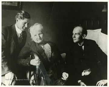 Mother Jones (center), with John R. Lawson (left) and Horace Hawkins (right).