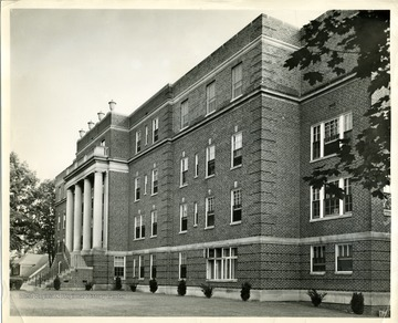 A close-up view of Beckley Hospital, in Beckley, West Virginia.  'Copyrighted 1955 All rights reserved by Harlow Warren 320 North Kanawha Street Beckley, W. Va.'