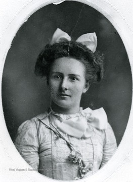 Portrait of Freida Aegerter Stadler at age 18.