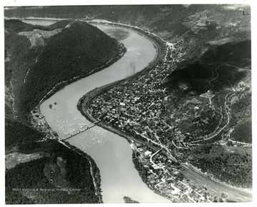 Aerial view of Hinton, West Virginia showing 'the New River just below the junction of the Greenbrier River.'
