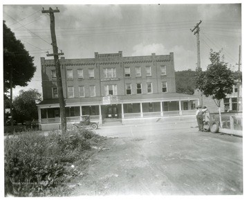 Front view of the Geneva Hotel before the fire in Philippi, West Virginia.