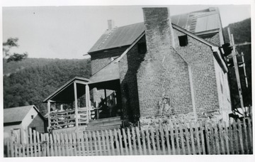 Simmons Home, Stonewall Jackson's Headquarters in May of 1862.  Built in 1812, Remodeled in 1935, Photo taken in 1935.