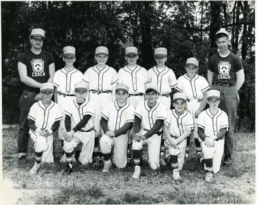 First row left to right: Reno Buffalo, Terry Payne, Bobby Hite, Chuck Shinaberry, Mark Sanders, Tim Philippe.  Second row left to right: Ron Bane- Manager, Eddie Buchanon, Larry Gibson, Dane Romito, Carl Goodwin, Jeff Philippe, Coach Wayne Goodwin.