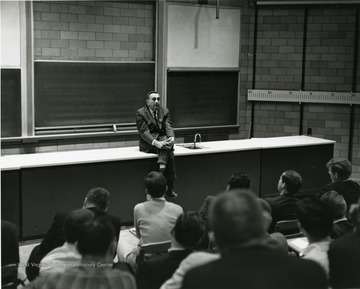 'Dr. Edward Teller, prof. of physics-at-large at the University of California and the renowned 'Father of the H-bomb,' is shown speaking at the Science-Writing Symposium Oct. 5, 1967.'