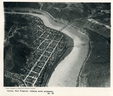 'Hinton, West Virginia, looking south southwest.'