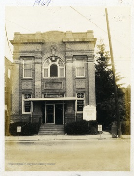 A front view of Bridgeport Bank in 1969.