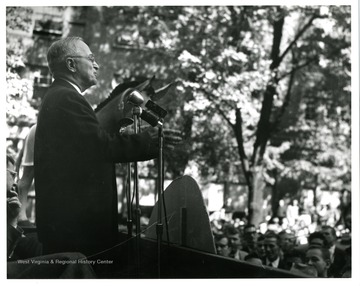 President Truman speaks on Morgantown Courthouse Square.