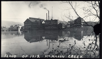 This photo was taken during the Flood of 1913.