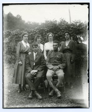 Ruth Ramsey Marti, Mable Ramsey Mann, Anna Sutton Fischer, Alma Ramsey Burky. Seated: Edwin Ramsey, Harley Sutton.