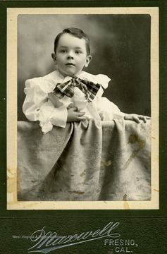 Selby Frederick Maxwell, son of Hu Maxwell at 4 years old.