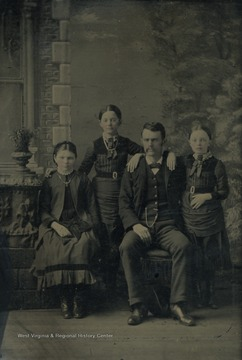 C.W. Lynch and the Lockery girls and (?) Lynch