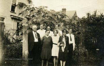 Father: Matthew Holt, Mother: Chilela Holt, Jane (front center), Andrew (back left), Rush, Matthew, Charles, Margaret (front right)