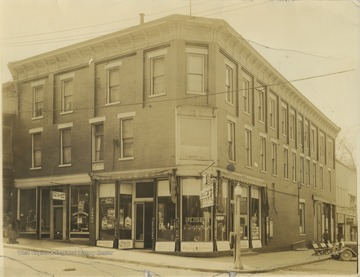 Street view of the building located on the corner of Temple Street and 3rd Avenue. The building burned in 1983 and is now Towne Square.
