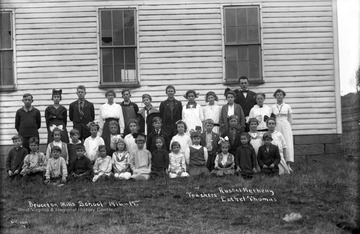 Teachers are Russel Metheny and Eethel Thomas, back right.