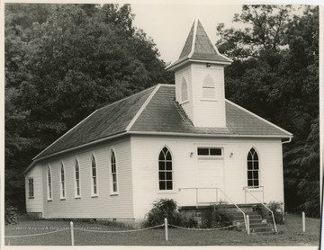 The church was organized in 1840.  In 1912 the church moved from Tunnel Hill to Tenmile creek near Bristol.