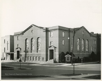The church was organized in 1860. The first building was called Coalsmouth Baptist Church because St. Albans was onced named Coalsmouth.  The current building was built in 1938-1939.