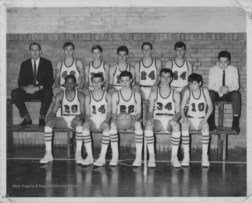 "Freshman TeamFront row left to right: Mike Link, Dave Rogers, Dave Horton, Harold ""Swifty"" Shaver, Bob SollyBack row left to right: Coach Tom Kurczak, Robert Thompkins, Doug Hostetler, Bob Bond, Gaylord Stump, Dale Davenport, Steve McKay12-2 Record"